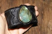 Мастер-класс по изготовлению кожаного браслета с натуральным камнем